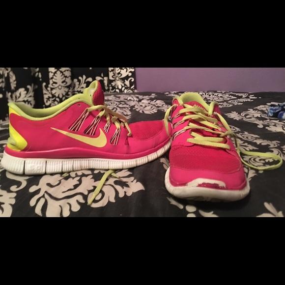 88c5ce5b12ee0 Women s Nike Free Run shoes. M 5bf20224c9bf50a749ff79b9